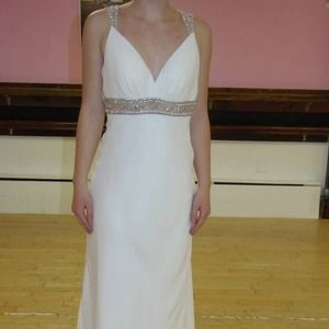 NWT Faviana white wedding/prom/pageant gown sz 6