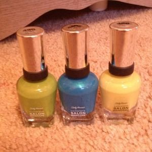 3 new Sally's nail polish