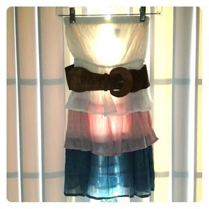 CUTE! Pastel color strapless dress with brown belt