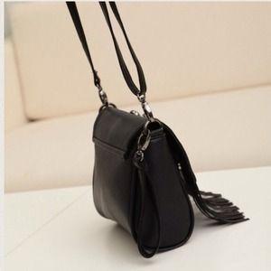Bags - LIMITED SALE Black tassel skull bag
