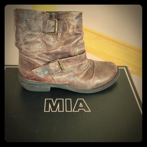 ef170ee43ec7 MIA Buckley Buckle Strap Boots. M 51e06efad00cbf25e8016ffd