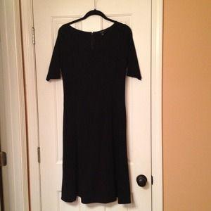 Ann Taylor Dress 💚