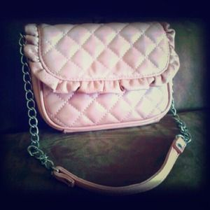 Cute Quilted Pink Ruffle Handbag!