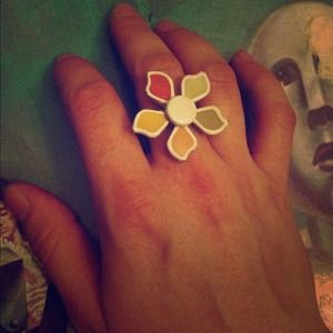 Multi colored flower ring