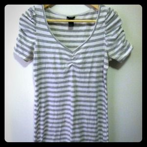 Striped heather gray puff sleeve tunic T