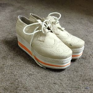 Shoes - 🎉7/29 HOST PICK 🎉Wedge Sneakers