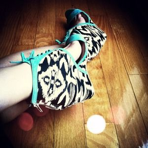SALE B&W Mint Tribal Laced-Up Wedges