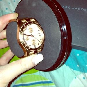Marc Jacobs rose gold watch..