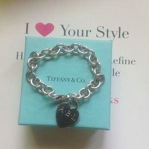 🎉HP🎉 authentic Tiffany 💙 bracelet engraved ABL