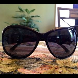 Stylish black sunglasses 