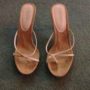 ✨White platform Sandals NWOT✨