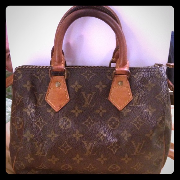 ac78657a849a Louis Vuitton Handbags - Authentic LV Speedy 25