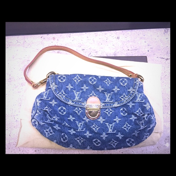 dc0da8476419 Louis Vuitton Handbags - Authentic Louis Vuitton denim mini pleaty