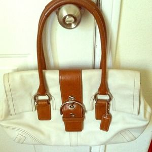 Coach. Genuine leather bag