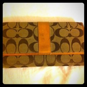 Coach Clutches & Wallets - Used Classic Coach Wallet- REDUCED!!