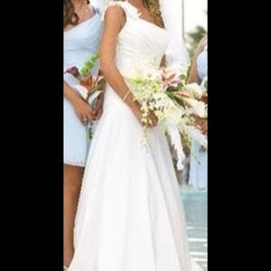 Dresses & Skirts - White one shoulder A-line wedding dress