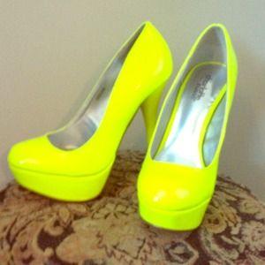 Shoes - Neon yellow heels