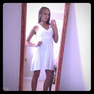 Dresses & Skirts - White v-neck dress
