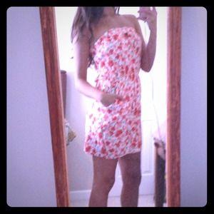 Dresses & Skirts - Floral summer dress