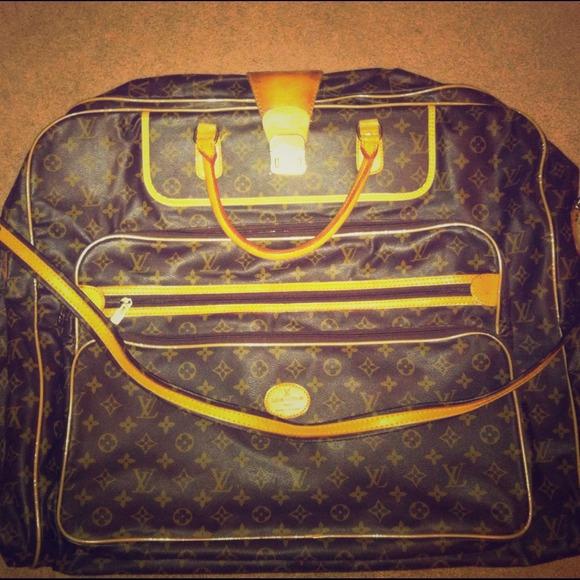37dd047b81ba Louis Vuitton Handbags - Beautiful Vintage Louis Vuitton Garment Bag