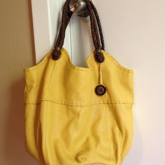 97db42520f The Sak yellow leather purse. M 51e84a34a9e414042b02af3c