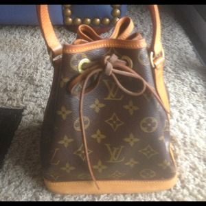 Authentic - Louis Vuitton Petite/Mini Noe