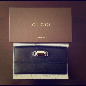 GUCCI 100% Authentic black genuine leather wallet