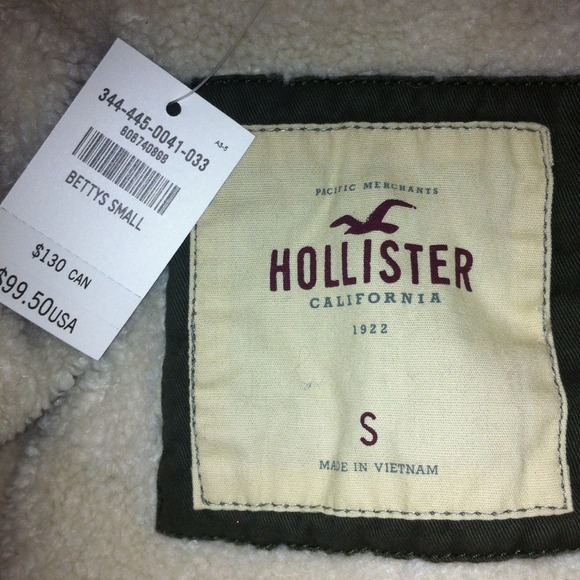 hollister jacket price