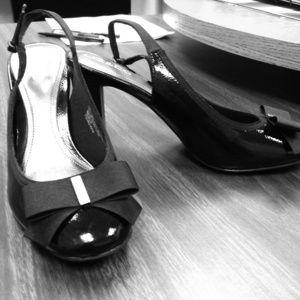 Black Patent Liz & Co heels Size 6