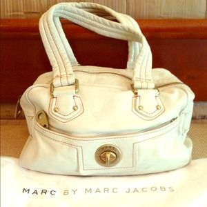 Host Pick 9/4 Marc by Marc Jacobs Leather bag