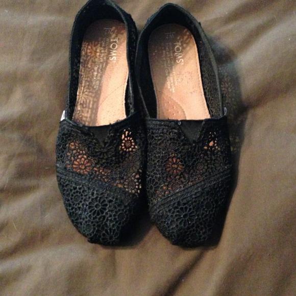 556fa3a1e05 TOMS Shoes - ⭐ON SALE⭐  30!! Black Crochet Toms fits 7.5