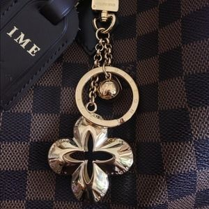KEEPING AUTH LV Eclipse Key Charm