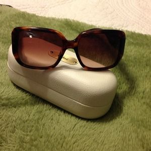NWT CHLOE BROWN SUNNIES