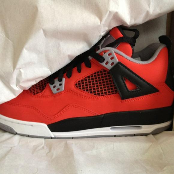Air Jordan Retro 4 Taille 7