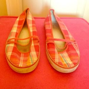 FUN Merona Shoes. In great condition!