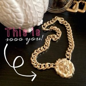 ✅REDUCED✅ Rihanna Lion Necklace