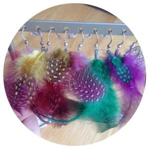 Cristallo Couture  Jewelry - ❤💗💛💚💙💜Feather Earrings🎨