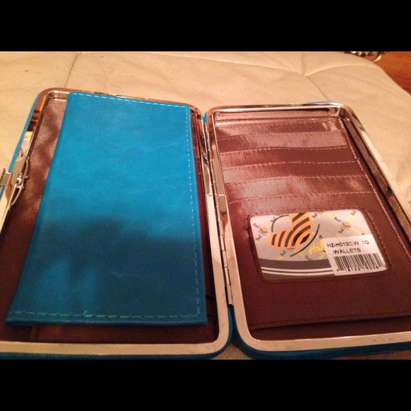 Bags - Haley Beez Wallet NWOT