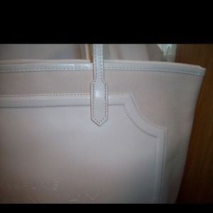 246f2b4b32d0 Givenchy Bags - Givenchi Weekend Cream Tote stil in plastic bag