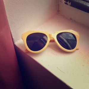 A. J. Morgan Nasty Gal yellow geometric sunglasses