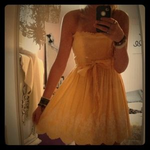 yellow gingham sun dress with bow & embroidery :)