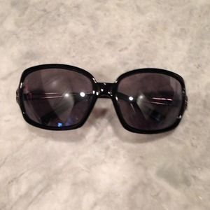 Banana Republic Accessories - Banana Republic sunglasses.