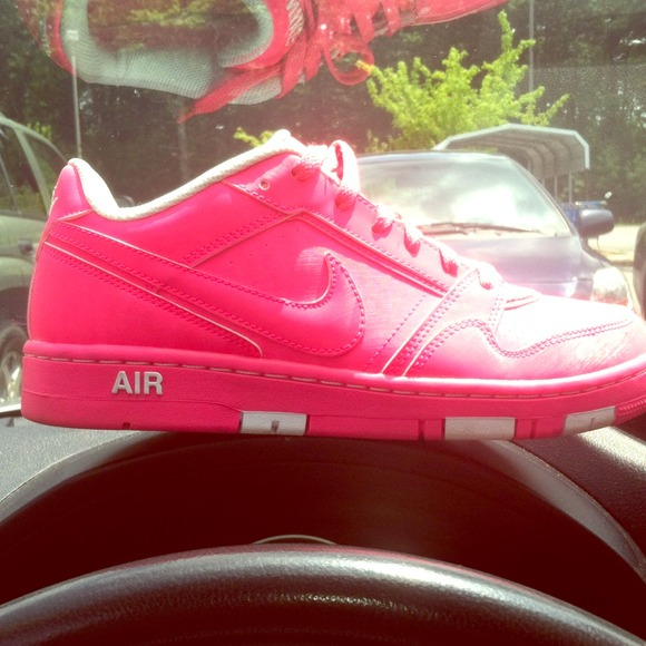 hot pink nike air forces
