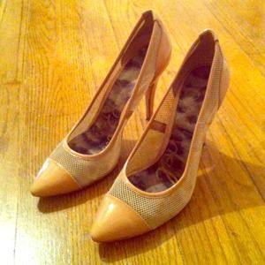 Sam Edelman patent and mesh pumps 8.5
