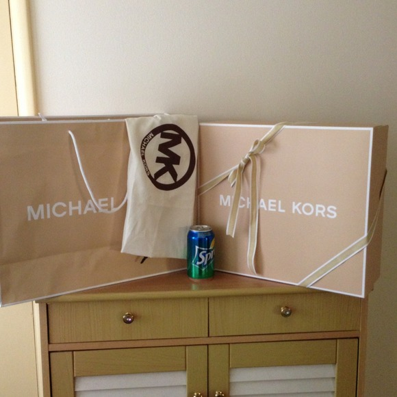 90811c63a Michael Kors Bags | For Alexbrianmk Gift Box Paper Bag And Dust Bag ...