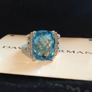 AUTHENTIC David Yurman blue topaz Wheaton ring