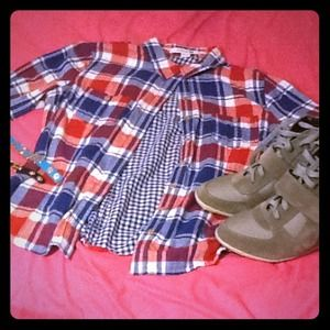 Forever 21 Tops - ⛄️❄️Plaid/gingham Button down shirt