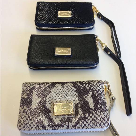 03d683668ff8 Michael Kors Bags | Leather Zip Wallet Case Iphone 54s | Poshmark