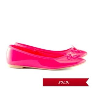 *SOLD* Neon pink flats (brand new)