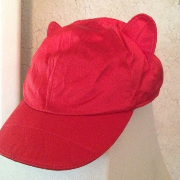 Frankie morello Accessories - FRANKIE MORELLO RED HAT VOGUE FROM RUNWAY.